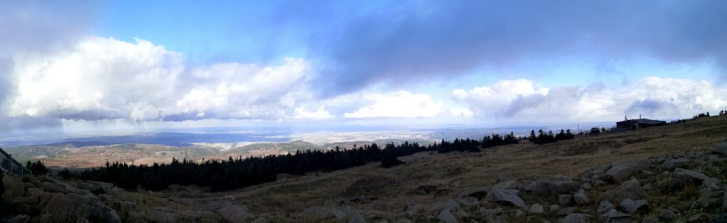Panoramablick auf dem Brocken